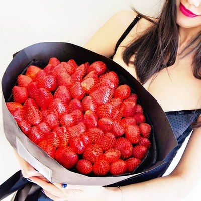 send 99 strawberries to shanghai