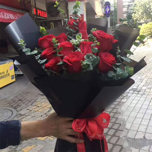 send 12 red roses to beijing